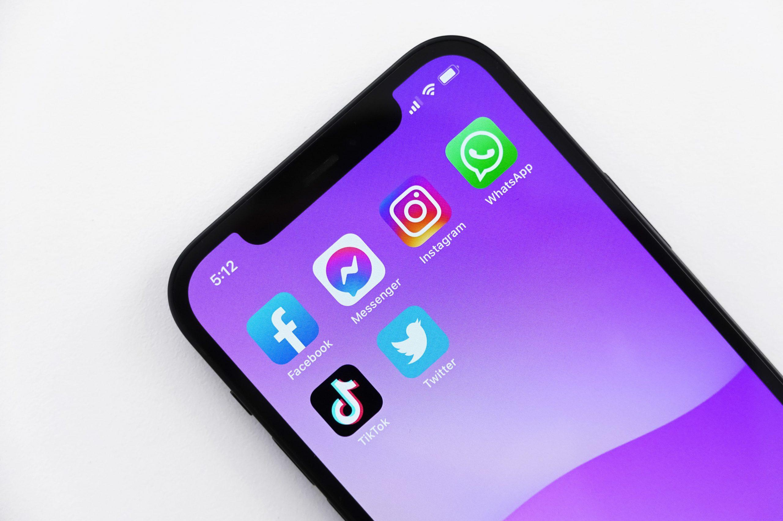 Las Redes Sociales y el Mundo Digital