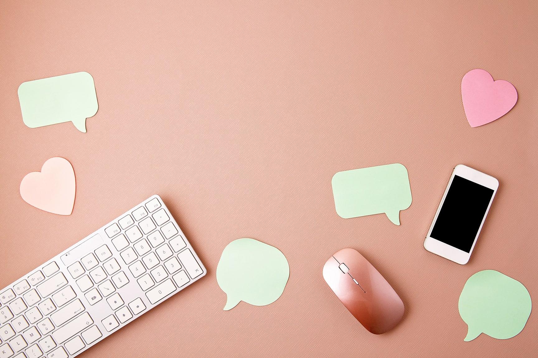 Interacciones y mensajes de redes sociales